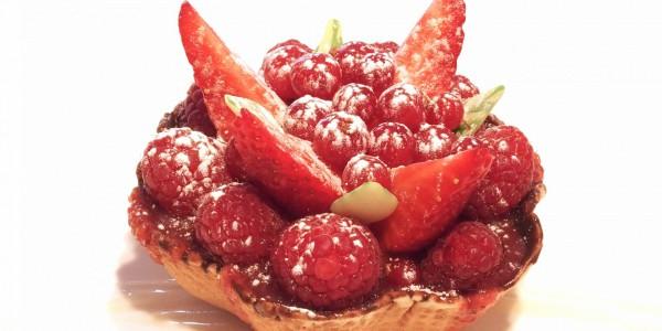 Nid de Pâques aux fruits rouges